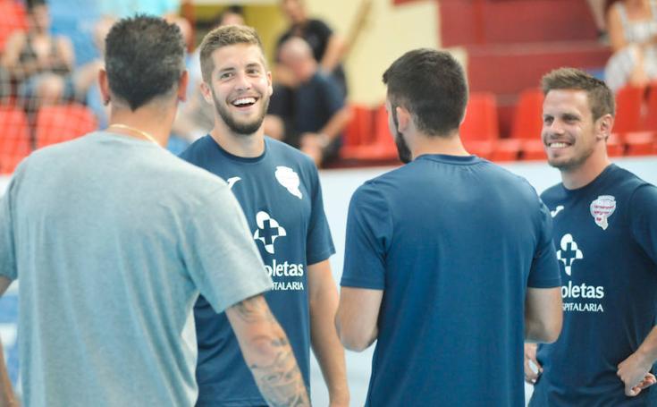 Entrenamiento y presentación de jugadores del Atlético Valladolid