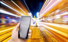 Aplicaciones que deberías borrar del teléfono porque sirven para espiarte
