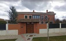 Encuentran una caja fuerte habitáculo y 63.000 euros en el registro de la casa de Ulibarri en Simancas