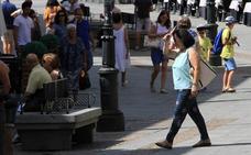 La ola de calor deja calima y máximas superiores a los 37 grados en la capital