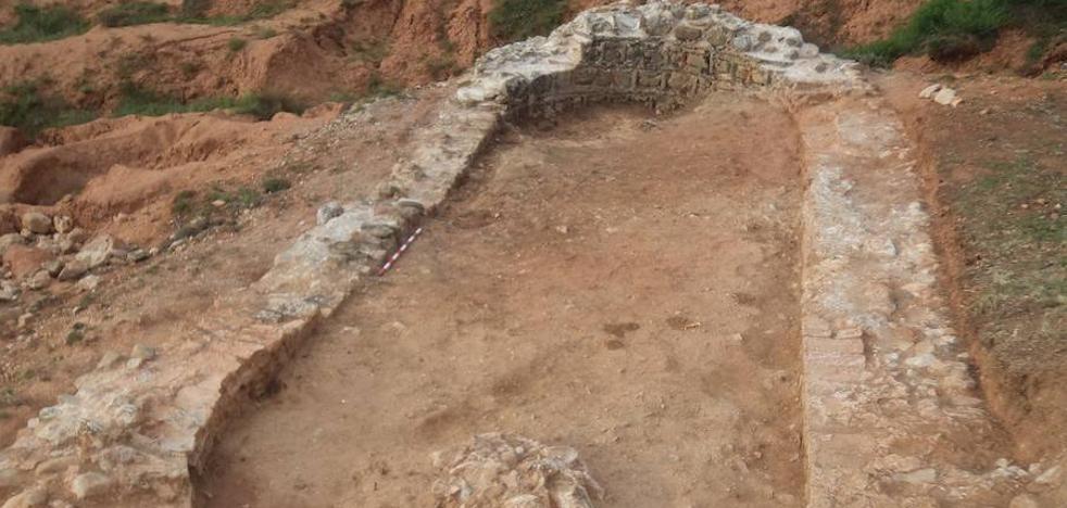 Fresno de Cantespino saca a la luz restos del castillo para realzar el proyecto del mirador