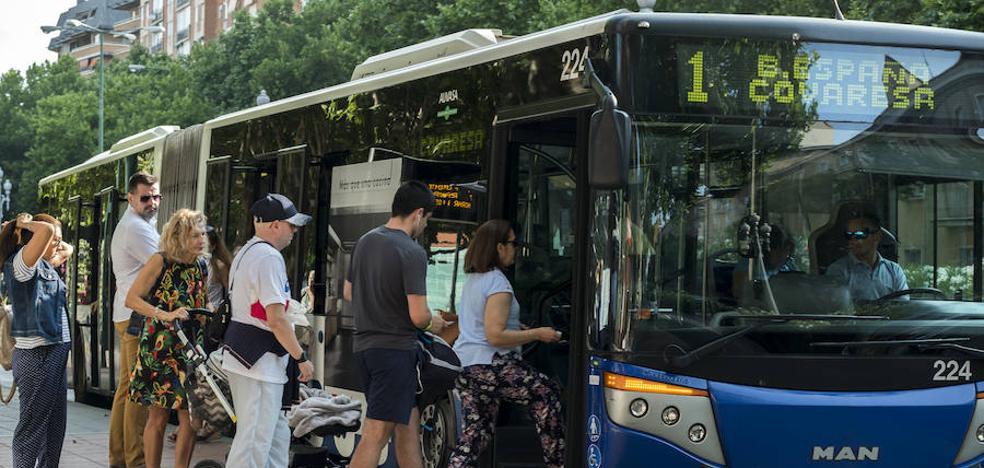 Auvasa congelará sus tarifas en 2019 para consolidar los nuevos bonos de viaje
