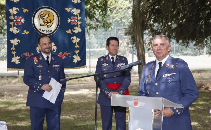 Toma de posesión del coronel Carlos María Bernardo como nuevo jefe de la Base Área y Grupo de Escuelas de Matacán