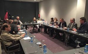 Zamora busca la coordinación entre las administraciones y el sector privado para potenciar el turismo