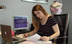 Alexandra Martínez Grottolo aspira a ser la mejor joven diseñadora de España