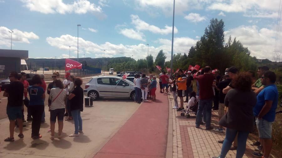 Los trabajadores de Siro se concentran para exigir que «se cumpla el convenio»