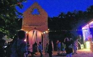 Centenares de aficionados a la buena música participan en el Escombrera Rock