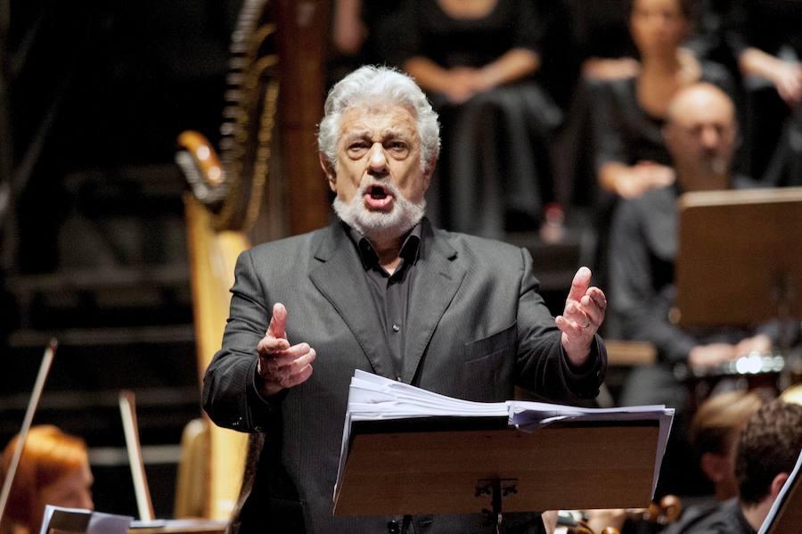 Detenida por escuchar a todo volumen a Plácido Domingo durante 16 años