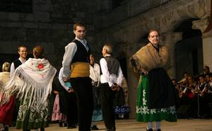 Danzas vascas, murcianas y gallegas saludarán a la corregidora de Cuéllar