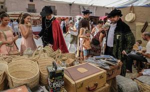 Olmedo revive el barroco con teatro y un mercado artesanal