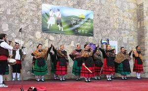 Danza de palos en memoria de Paco Pérez en Torrelobatón