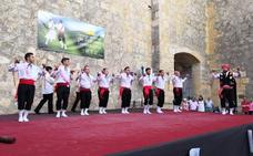 XII Certamen de danzas de paloteo en Torrelobatón