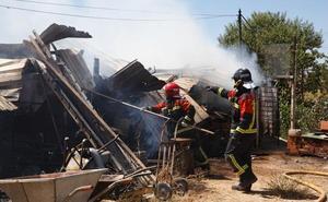 Un incendio afecta a una pocilga y un caseto de la carretera de la Hiniesta en Zamora