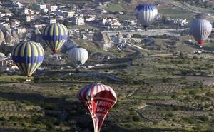 La trama Enredadera ofreció globos aerostáticos a la Guardia Civil para vigilar el Estrecho