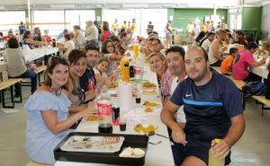 Doñinos de Salamanca y El Maíllo cierran las fiestas con una gran paella