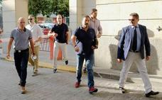 Los vigilantes testifican que el miembro de La Manada que robó las gafas intentó atropellarlos