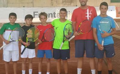Alberto Rodríguez y Carlos Sierra, en el Nacional infantil de tenis por equipos con el CT Medina del Campo
