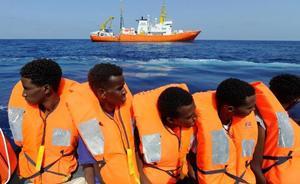España llega a un acuerdo con Europa y acogerá a 60 inmigrantes del 'Aquarius'