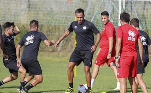 Ayoze se lesiona y será baja en Unionistas ante la Arandina junto a Admonio y Diego Hernández