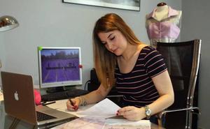 «Estar en el certamen nacional de jóvenes diseñadores ya es un premio»
