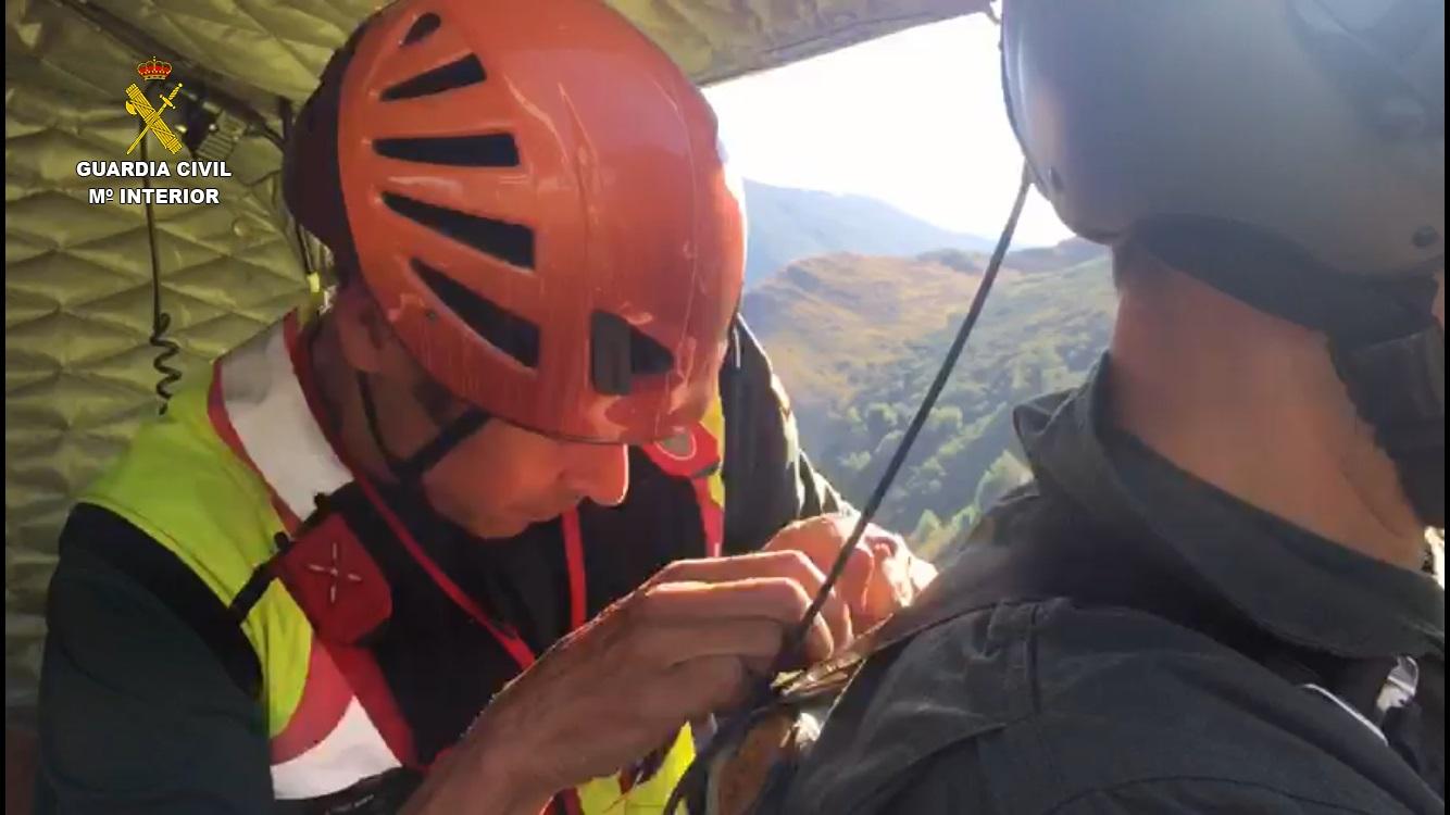La Guardia Civil rescata a dos menores perdidos en la ruta del Lago Ausente de Puebla de Lillo