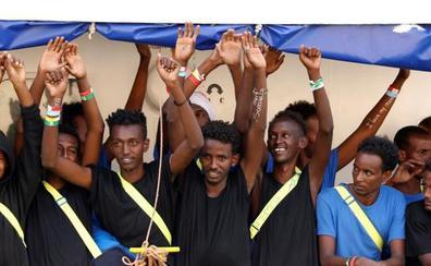Los 141 inmigrantes del 'Aquarius' desembarcan en Malta