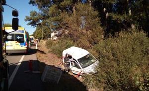 Herida una mujer al colisionar un turismo y una furgoneta en Zamora