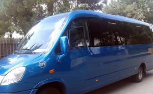 Los vecinos de Marugán se quedan desde hoy sin su minibús