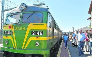 Un tren cargado de patrimonio llega a Aguilar