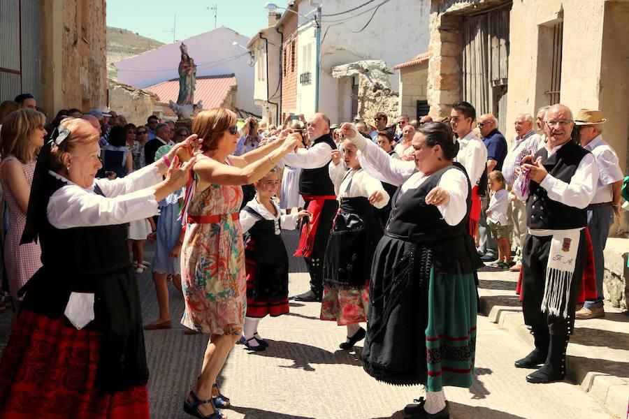 Bailes en Villaconancio. /Luis Antonio Curiel
