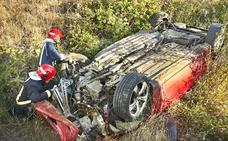 Un herido tras volcar su vehículo en Martín de Yeltes