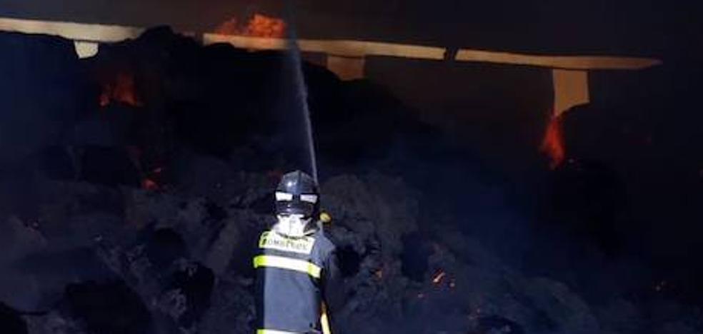 Se incendia una nave ganadera en el municipio vallisoletano de Barcial de la Loma