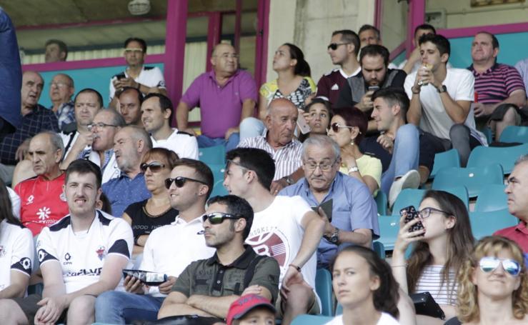 Presentación del CF Salmantino ante el Villanovense