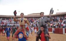 El Juli y Diego Ventura triunfan en el cierre de la Feria Taurina y se reparten cinco orejas
