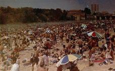 No cabía un alfiler en la playa de las Moreras