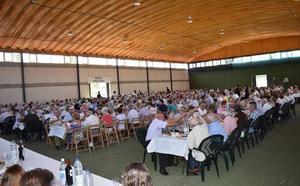 El homenaje a los mayores reúne a 600 comensales en la última jornada festiva