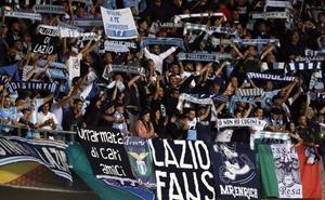 Los ultras de la Lazio desatan la polémica con un mensaje machista