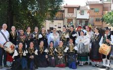 Hasta 18 danzarines participan en los actos en honor a los santos mártires