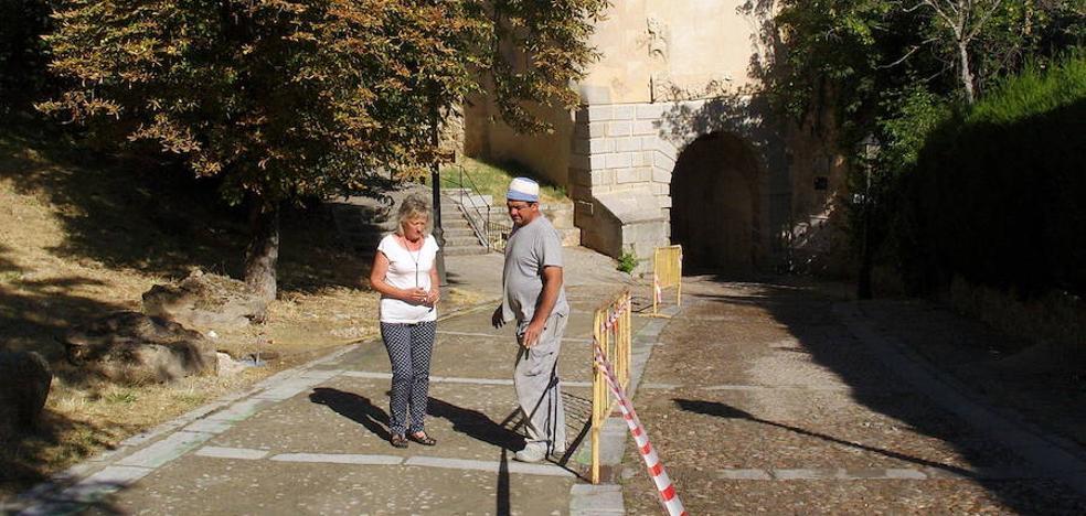 Las obras cortan el tráfico por la Puerta de Santiago ocho semanas después de abrirse