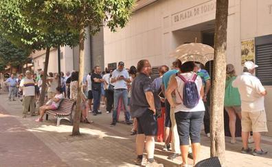 Colas en el primer día de venta de entradas sueltas para los festejos taurinos de la Feria de Valladolid
