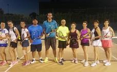 La escuela de tenis de Alba de Tormes regresa a la actividad con novedades