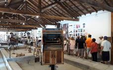 Fuenterrebollo dedica una exposición a radios de los años 30 y 40