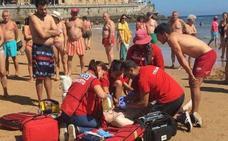 Fuera de peligro el vallisoletano que ha sido rescatado en la playa de Gijón