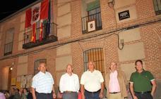 Los alcaldes de Santiuste estrenan bandera y escudo
