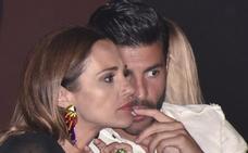 Paula Echevarría y Miguel Torres, derrochan felicidad en Candás