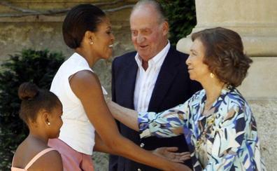 Encuentro de la Reina Sofía y Michelle Obama en Palma de Mallorca