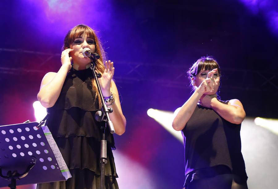Rozalén toca el corazón de Palencia en un hermoso concierto