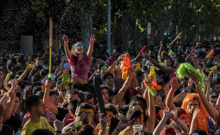 Desfile de peñas en las fiestas de Valladolid 2018
