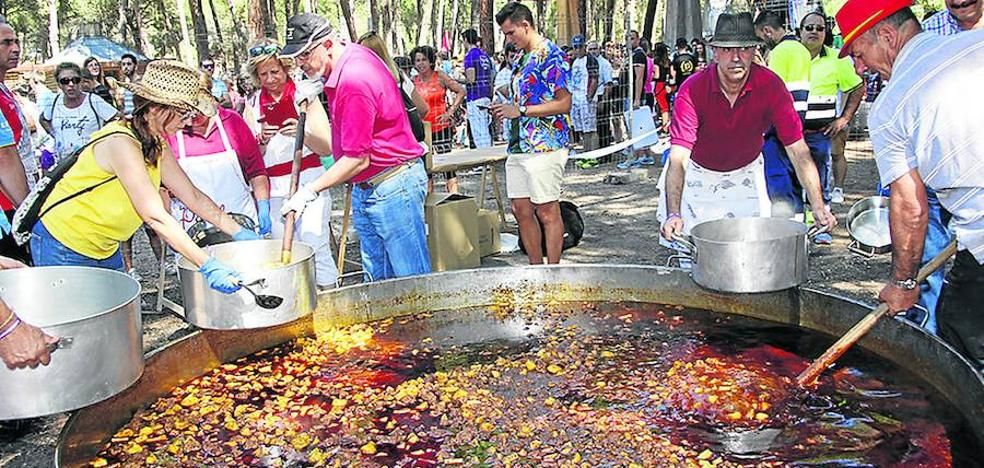 5.000 raciones de carne de toro con patatas para celebrar el Día de las Peñas en Laguna
