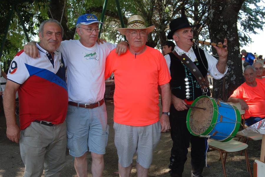 Los vecinos de El Cerro despiden las fiestas con una paella